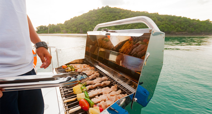 barbecue-on-yacht-goa