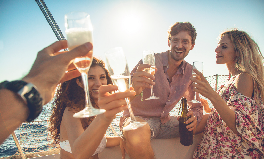 An Ultimate Goa Cruise Party: What it includes and How to throw one?